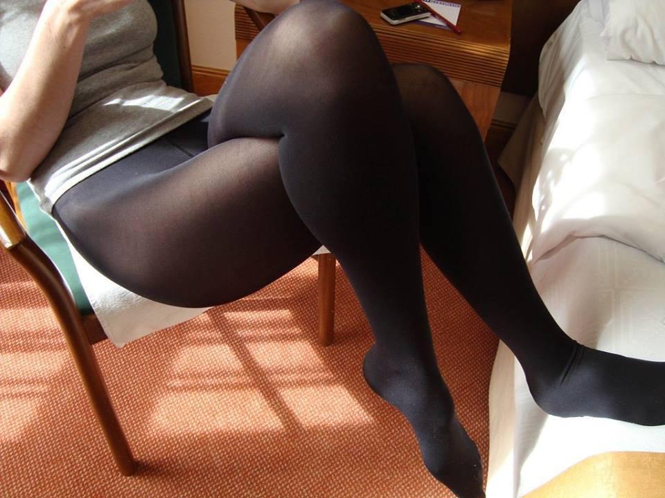 Slippy amateur in nylon knee socks undressing and fingering her tight holes № 486699 загрузить